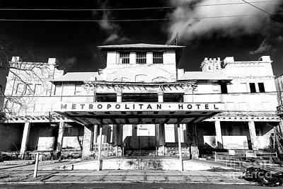 Photograph - Metropolitan Hotel by John Rizzuto