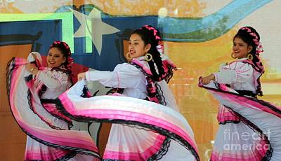 Mexican Dance Digital Art - Mexican Dancers by Venus