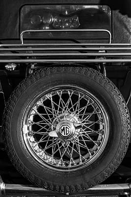 Photograph - Mg Cars 002 by Edgar Laureano