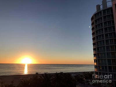 Photograph - Miami Beach Sun Rise by Andrew Dinh