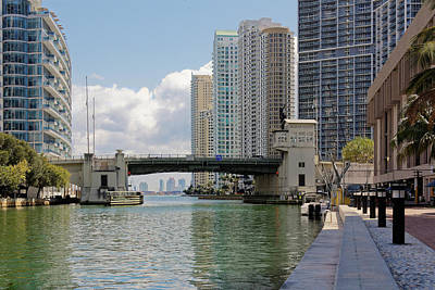 Photograph - Miami River 4040 by Rudy Umans