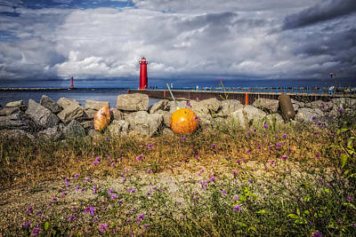Muskegon Lighthouse Wall Art - Photograph - Michigan Lighthouse by Debra and Dave Vanderlaan