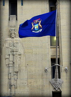 Aztec Pottery Photograph - Michigan State Flag On The Guardian Building - Detroit by Anita Hiltz