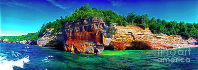Photograph - Michigan  Up Pictured Rock Kayakers 9060900109 by Tom Jelen