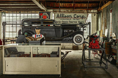 Photograph - Mid To Late 1930s Era Garage - Sure We Can Fix That   -   Oldtimegarage171855 by Frank J Benz