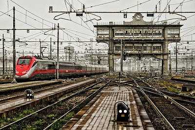 Photograph - Milano Centrale. by Pablo Lopez