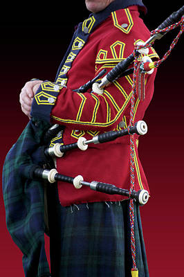 George Washington Mixed Media - Military Musical Instrument Bag Pipes Revolutionary War by Thomas Woolworth