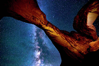 Photograph - Milkyway At Arches by Norman Hall