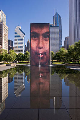 Millennium Park Photograph - Millennium Park Fountain And Chicago Skyline by Steve Gadomski