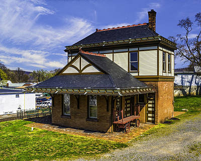 Photograph - Millersburg Pa Train Station by Nick Zelinsky
