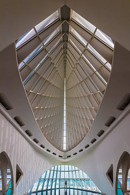 Architect Photograph - Milwaukee Art Museum Hall by Steve Gadomski