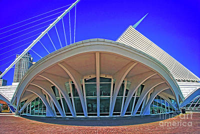 Photograph - Milwaukee Art Museum - View From The South by Mary Machare