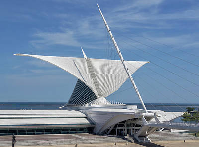 Photograph - Milwaukee Art Museum2 by Kim Hojnacki