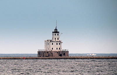 Photograph - Milwaukee Breakwater Lighthouse by Kay Novy