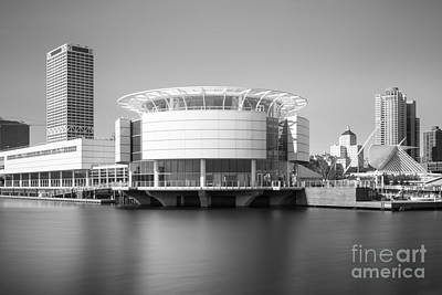Milwaukee Skyline Photograph - Milwaukee Discovery World Picture In Black And White by Paul Velgos
