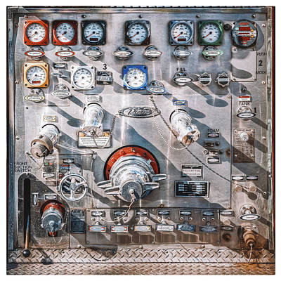 Mechanical Photograph - Milwaukee Fire Department Engine 27 by Scott Norris