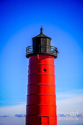 High Quality Images Photograph - Milwaukee Pierhead Lighthouse Photo In Wisconsin by Paul Velgos