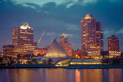 Milwaukee Skyline At Dark Art Print