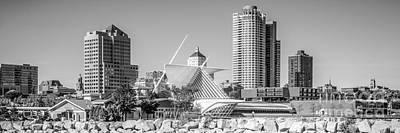 Milwaukee Skyline Photograph - Milwaukee Skyline Panorama In Black And White by Paul Velgos