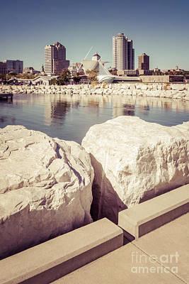 Milwaukee Skyline Photograph - Milwaukee Skyline Retro Picture by Paul Velgos
