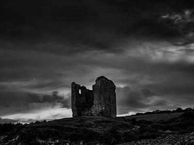 Photograph - Minard Castle Bw #g0 by Leif Sohlman