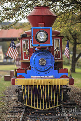 Photograph - Mini Fun Train Quechee Vermont by Edward Fielding