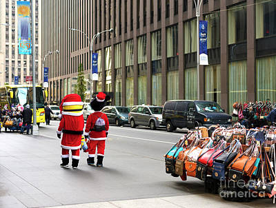 Photograph - Minions Christmas In The City by John Rizzuto