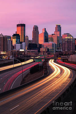 Twin Tailed Photograph - Minneapolis Magenta by Ernesto Ruiz