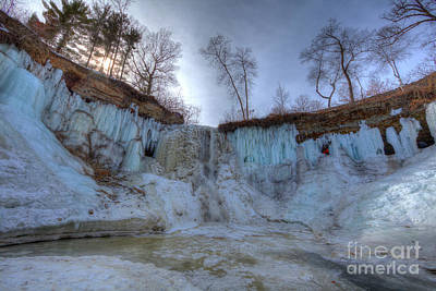 Photograph - Minnehaha Falls Minneapolis Minnesota Winter Morning by Wayne Moran