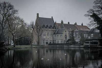 Photograph - Minnewater O Lago Del Amor Brugge by Henri Irizarri