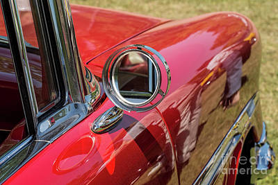 Photograph - Mirror On A Vintage Car by Les Palenik