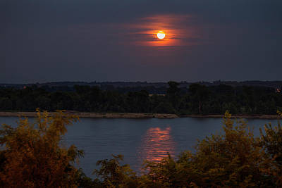 Photograph - Mississippi River Moonrise by Garry McMichael