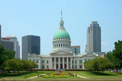 Capitol Building Wall Art - Photograph - Missouri State Capitol Building by Mike McGlothlen