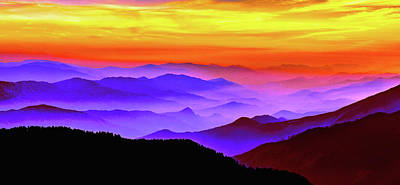 Mountain Sunset Mixed Media - Misty Mountains Sunset by Susan Maxwell Schmidt