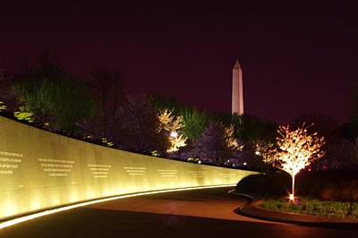 Photograph - Mlk Memorial At Night by Buddy Scott