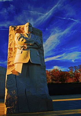 Photograph - Mlk Memorial In The Fall by Bill Jonscher