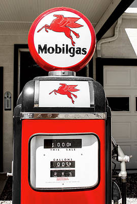Photograph - Mobilgas Select 083016 by Rospotte Photography