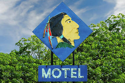 Photograph - Mohican Motel Neon Sign Circa 1948  -  1948mohicanneon172496 by Frank J Benz