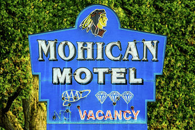 Photograph - Mohican Motel Neon Sign Circa 1948  -  1948neonhotelsign172498 by Frank J Benz
