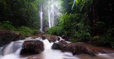 Mok Fa Waterfall Art Print