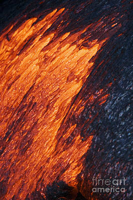 Photograph - Molten Pahoehoe Lava by Ron Dahlquist - Printscapes