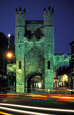Cross-bar Photograph - Monk Bar Gate Lit At Night In England by Richard Nowitz