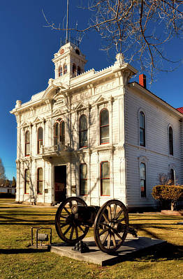Bridgeport California Photograph - Mono County Courthouse by Mountain Dreams