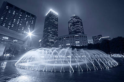 Photograph - Monochrome Blue Boston Reflecting Pool Fountain Boston Ma by Toby McGuire