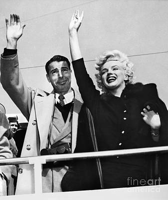 Marilyn Photograph - Monroe & Dimaggio, C1954 by Granger