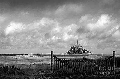 Photograph - Mont Saint-michel Bw by RicardMN Photography