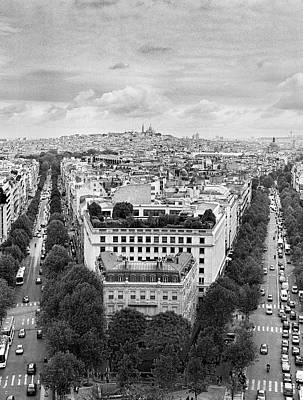 Sacre Coeur Photograph - Montmartre by Hans Mauli