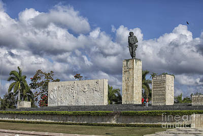 Photograph - Monument And Mausoleum Che Guevara by Patricia Hofmeester