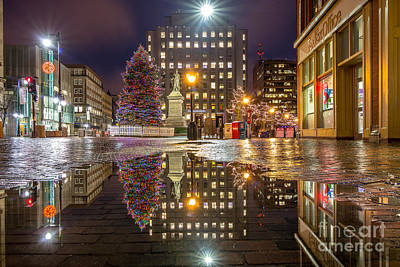 Christmas Holiday Scenery Photograph - Monument Square Holiday Reflections by Benjamin Williamson