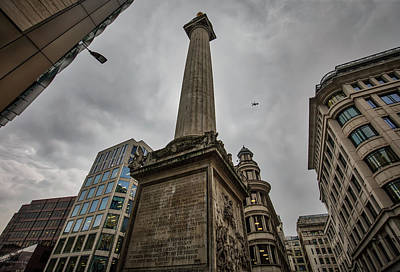 Photograph - Monument To The Great Fire Of London by Ross Henton